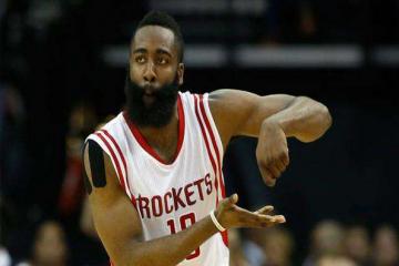 NBA历史十大得分后卫 震惊!身高157加入校队,三年逆袭成191