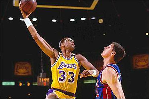 NBA远古四大中锋 比尔·拉塞尔荣登第4名,第一名绰号天勾