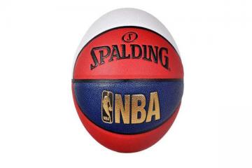 斯伯丁篮球手感排名 你离詹姆斯的距离就差一个手感好的篮球