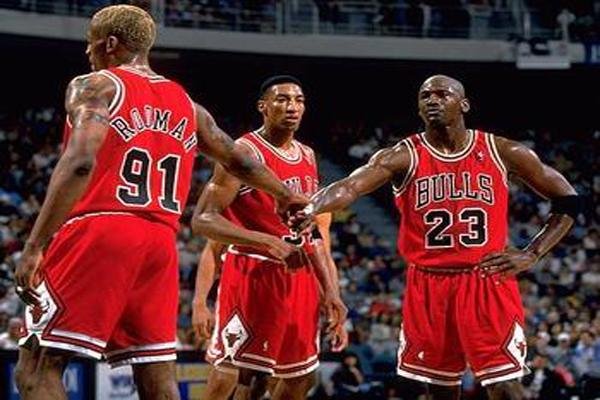 NBA十大逆转 改变历史的时刻!詹姆斯排名第6,第一名我服了