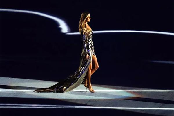 全球十大顶级女超模 喷鼻血!性感超模在线盘点,第一是她