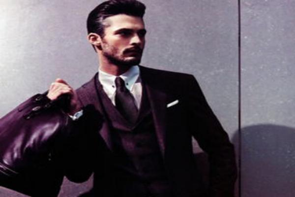 全球十大顶级男超模 超级型男!穿衣显瘦脱衣有肉的精致男孩