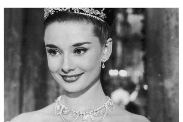 世界公认十大美女 颜值逆天,林青霞排名第5,第一名又是她