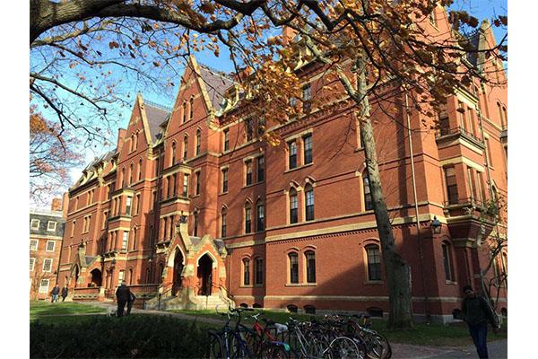 世界十大大学排名榜:耶鲁大学上榜,第一知名度最高