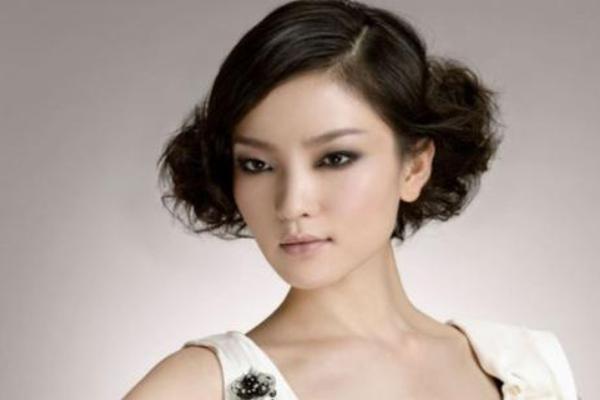 中国公认十大美女演员 刘亦菲排名第6,第一名是她毫无争议