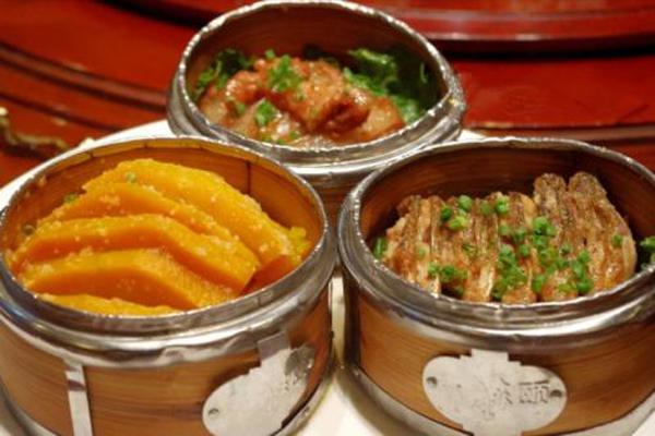 岳阳十大名吃  岳阳三蒸、虾饼纷纷上榜,这些你都吃过了吗