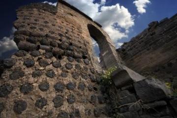 中国十大古堡:布达拉宫上榜 盘点中国那些历史悠久的城堡
