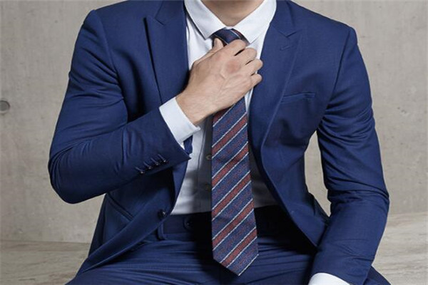 什么牌子的西装最好?世界十大西装品牌排行榜