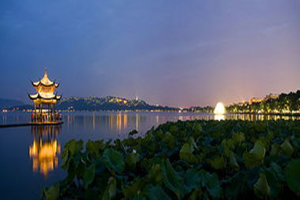 中国十大浪漫城市 凤凰古城排行第一,约会旅行度蜜月首选地
