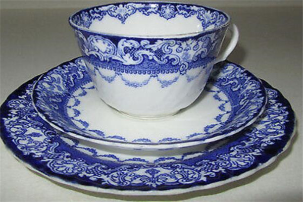 世界十大名瓷品牌,RoyalDoulton皇室御用,第一法式浪漫感满满