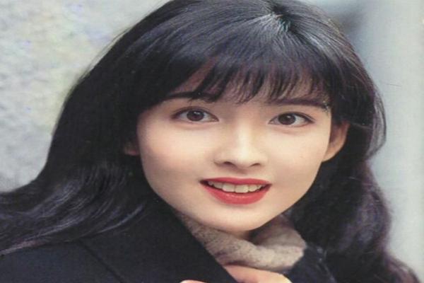 中国眼睛最美的十大女星 杨幂排名第5,迪丽热巴必须有姓名