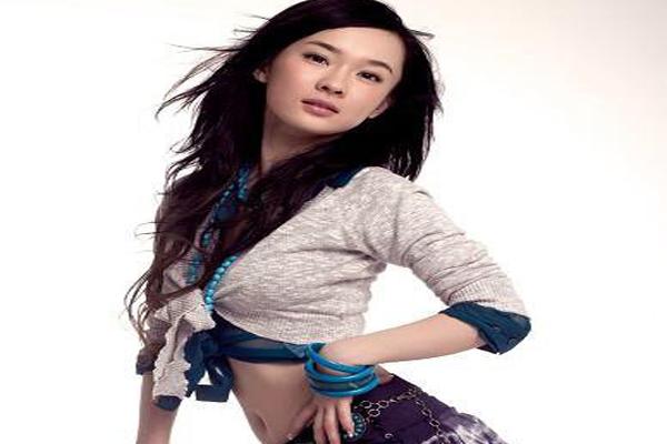 中国胸部最美的十大明星 柳岩林志玲上榜,事业线惊为天人