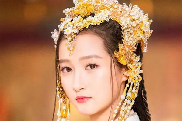 中国十大素颜美女 郑爽刘亦菲上榜,第一名有出水芙蓉的美称