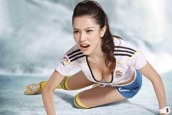 中国十大最美足球宝贝 张馨予排名第3,火辣性感,扣人心弦