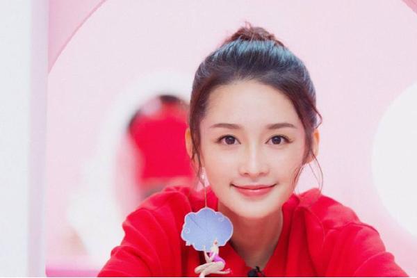 中国十大90后美女排行榜 郑爽李沁上榜,第一名是为新疆美女