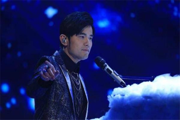 亚洲十大歌星,崔健被誉为是中国摇滚之父