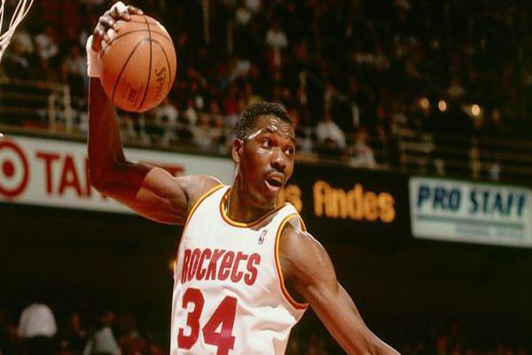 NBA90年代四大中锋 大卫·罗宾逊上榜,纽约之王排名第三