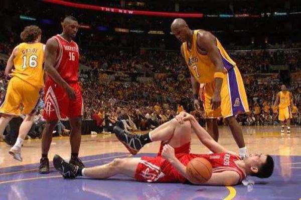 NBA十大感人瞬间 时过12年,竟再次为凯文加内特大跳脱衣舞