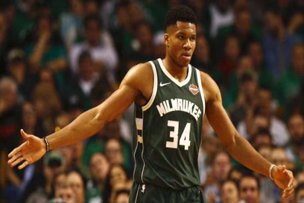 NBA现役十大巨星排名 33岁的勒布朗·詹姆斯靠实力得第一