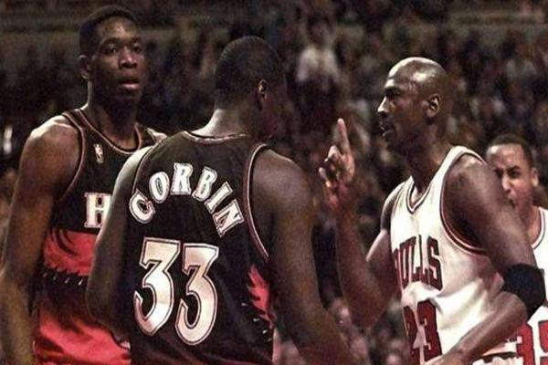 NBA十大冲突 可怕!最严重的将下颚和脸部骨折,后颅骨破裂