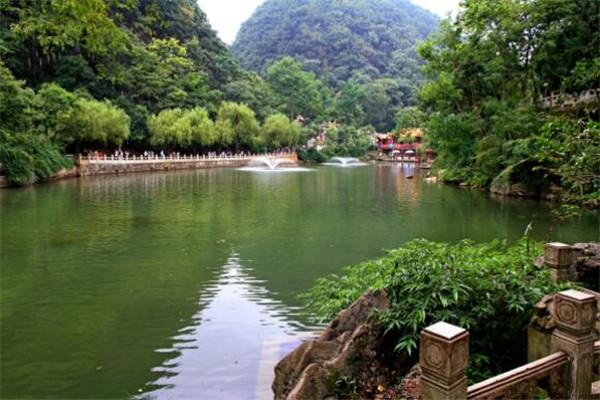 贵阳必去的五个景点,青岩古镇上榜,第一不去后悔