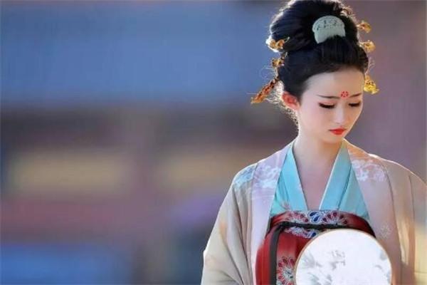 汉朝十大美女,第一无远嫁匈奴,戚夫人最终被做成人彘