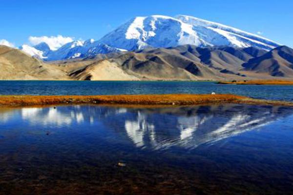 新疆十大爬山好去处
