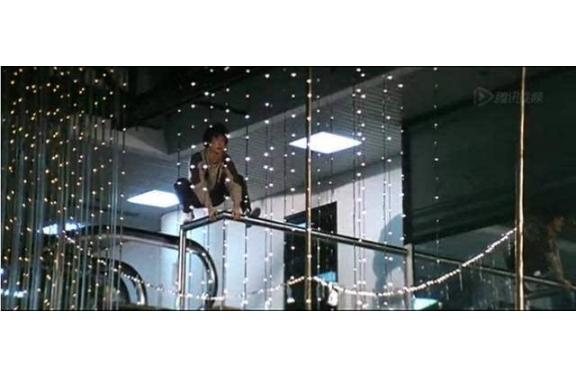 成龙十大电影危险镜头 第一创造吉尼斯,第七一跳成名