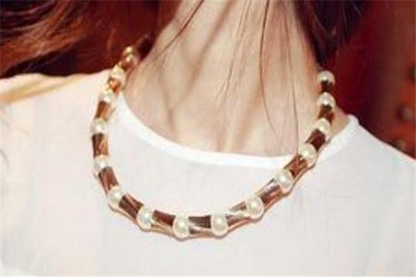 四十岁女人礼物排行,珍珠项链上榜,你已经送过哪几个了