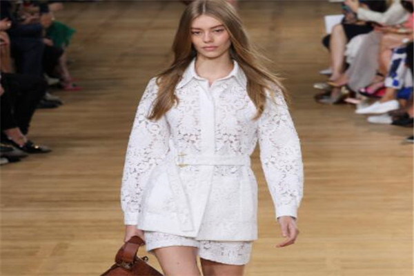 French women's brand Chloé is a romantic representative, most of them are luxury brands