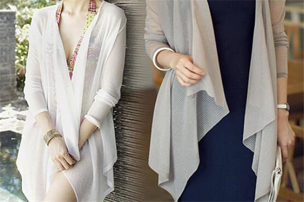 平价女装品牌 优衣库上榜,亲民的价格也能穿出时髦感