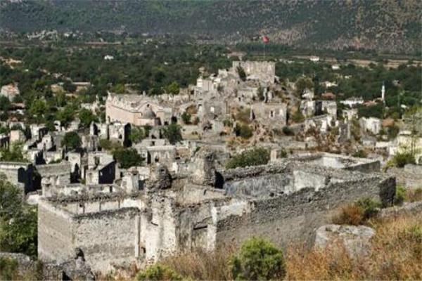 世界十大鬼城 瓦罗莎曾经是度假天堂,你敢去吗