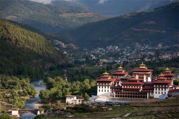 世界十大最适合单人旅行的地方 不丹上榜,拿起行囊说走就走吧