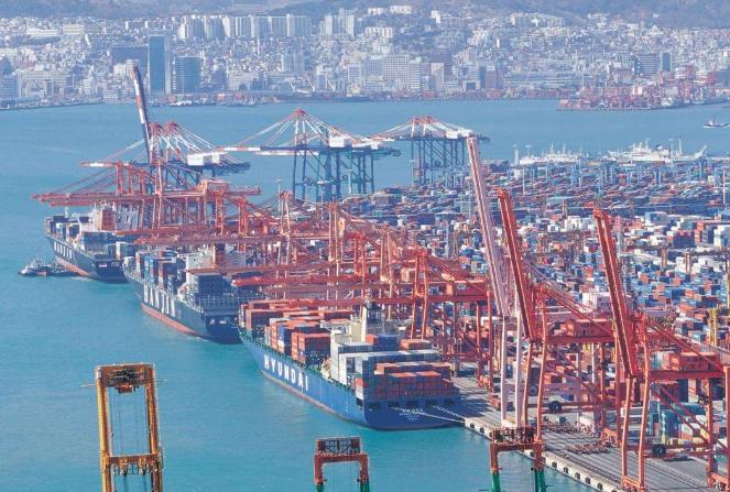 世界十大著名的港口 中国上榜六个,第一为新加坡