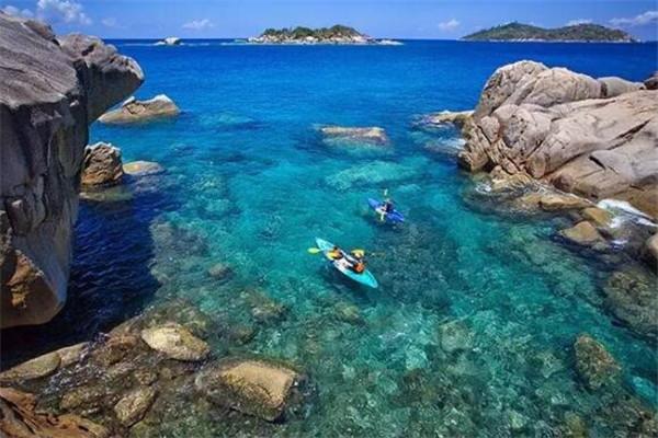世界最漂亮的十大岛 塞舌尔群岛上榜,圣托里尼岛如世外桃源