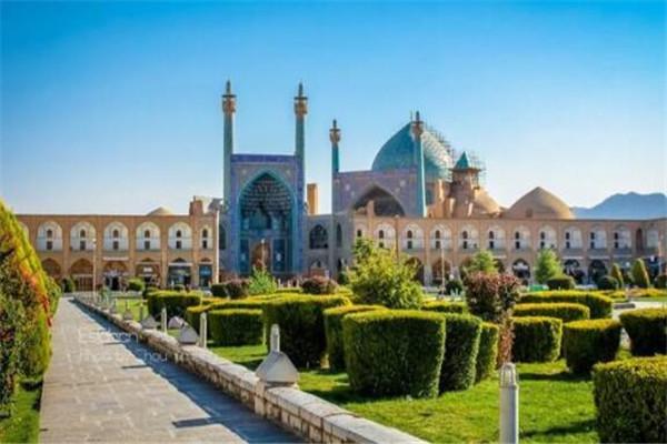 世界最美的十大建筑 冬宫上榜,伊玛目清真寺很梦幻