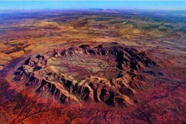 世界著名的十大陨石坑 这些自然景观,你见过吗
