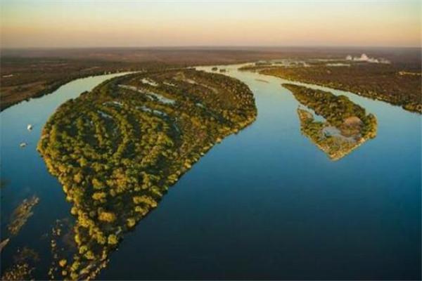 世界十大河流排名 长江/黄河上榜,恒河是印度的母亲河