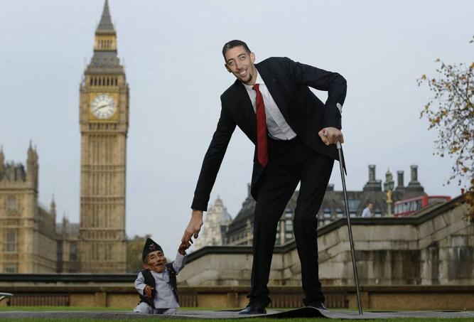 世界最十大最高的人 清朝商人詹世钗排第一,身高3.19米