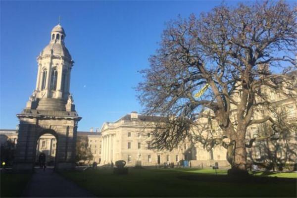 世界最美十大大学排名 厦门大学上榜,斯坦福大学像是一座花园