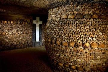 世界十大诡异的地方 地下墓穴全是骷髅,娃娃岛你敢去吗