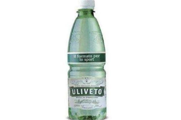 世界最贵的十大饮用水 ULIVETO微量元素丰富,第二水中有金粉
