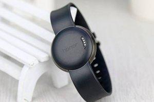 測量血壓智能手環排名:華為3款上榜,第一名有益改善睡眠
