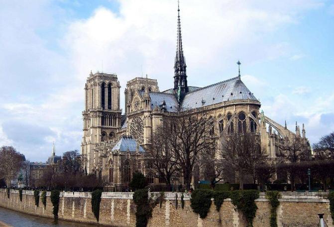 世界十大教堂 圣彼得位列榜首,巴黎圣母院排第七