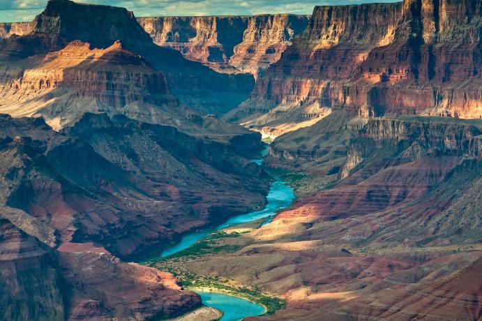 世界十大最惊人的峡谷 中国虎跳峡上榜,科罗拉多位列第一