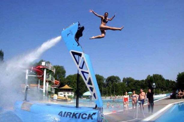 世界最任性最奇葩的十大游泳池 你想试一试吗