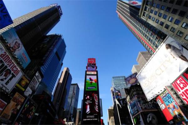 世界十大广场 红场几乎无人不知,时代广场周边好多500强企业