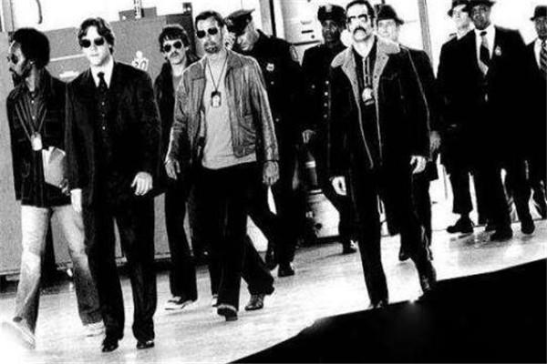 世界十大黑帮 Crips和血腥团伙是死对头