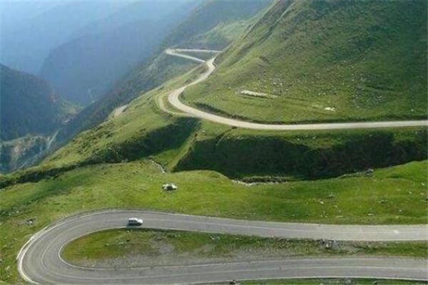 世界十大奇怪公路 湄公路有火车经过,第一限速5英里/小时