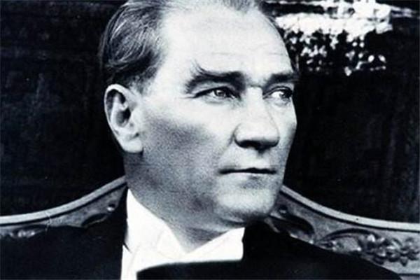 世界十大领袖 戴高乐眼光长远,斯大林被称为钢铁巨人